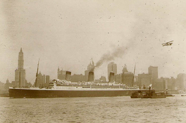 The 'Majestic' on the Hudson arriving from Europe, 1922